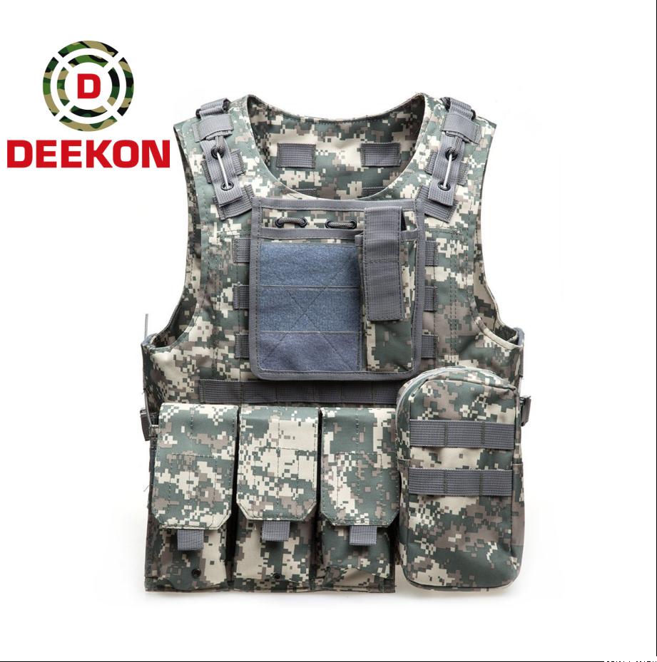 https://www.deekongroup.com/img/lightweight-tactical-vest.png