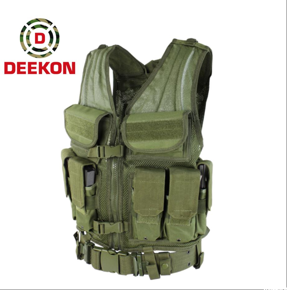 https://www.deekongroup.com/img/molle-tactical-vest.png
